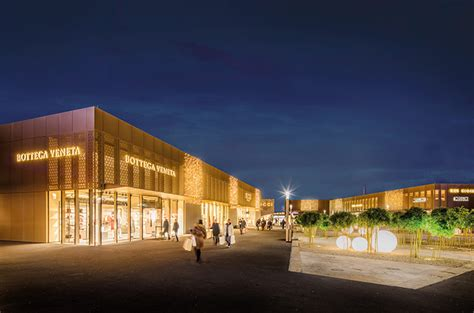 News Outletcity Metzingen tops outlet shopping centres in