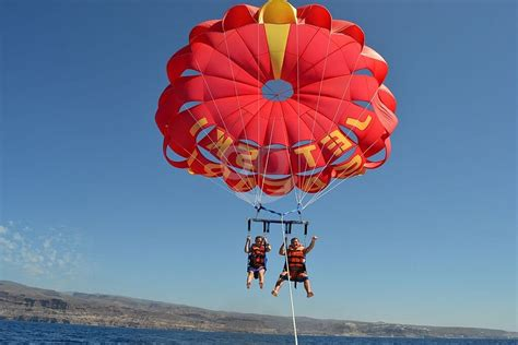 Parasailing in Gran Canaria for 1-3 people in the West or